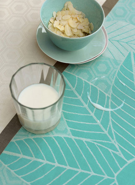Emprientes Vegetales Curacao Coated Tablecloth