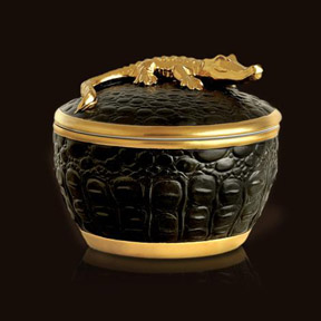 L&#39;Objet Luminescence Crocodile Candle &#124; Gracious Style