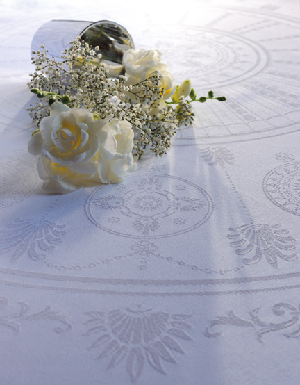 Eloise Diamant Easy Care Table Linens
