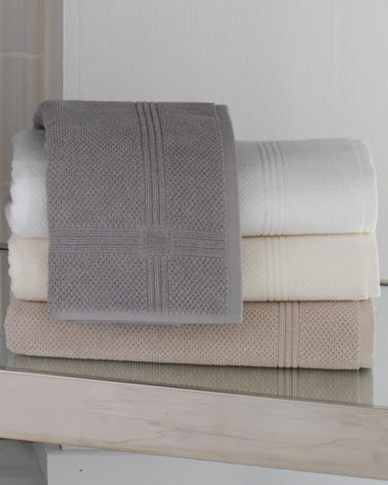 Montauk Bath Towels by Peacock Alley | Gracious Style
