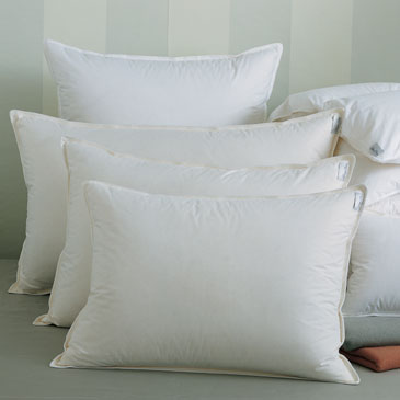 Arcadia Down Alternative Pillows Hypoallergenic | Gracious Style